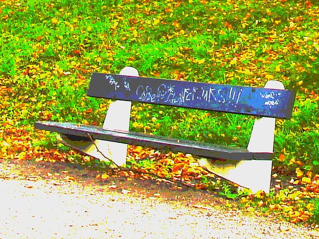 Le banc à graffitis - The graffitis bench  /  Ängelholm - Suède / Sweden - 23 octobre 2008- Postérisé avec couleurs ravivées