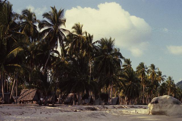 Lamai Beach  simple huts from Aloha Resort