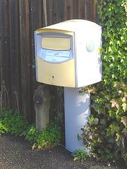 Boîte publique pour dépôt postal -  Postal street box - Båstad .  Suède - Sweden. 25-10-2008