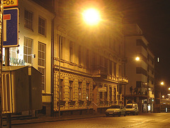 Luminosité mitigée dans une rue de Helsingor  /  Helsingor's spotlights by the night -   Danemark / Denmark.  24-10-08