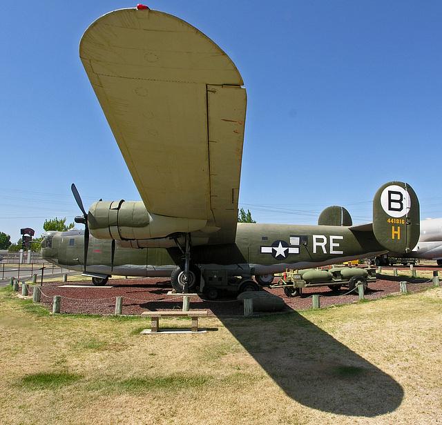 Consolidated B-24M Liberator (8335)