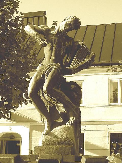 Sculpture érotique / Erotic sculpture -  Laholm / Sweden - Suède.  25 octobre 2008 - Sepia