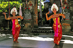Legong dancing girls
