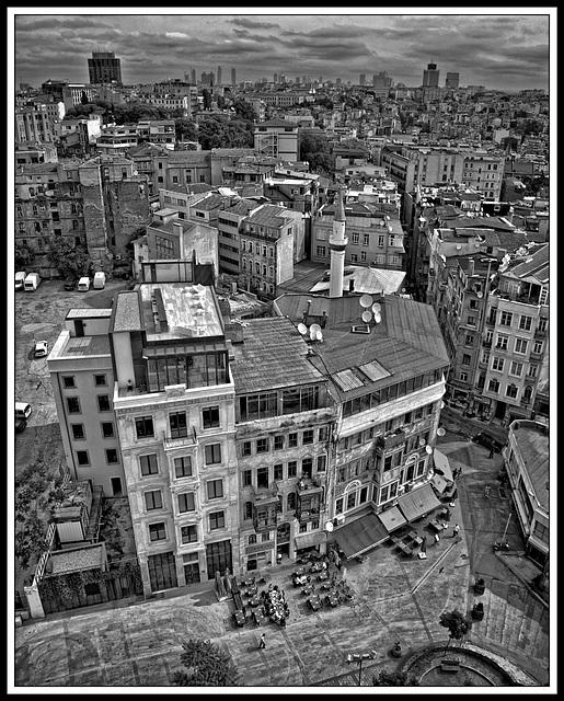 Beyoğlu monochrome