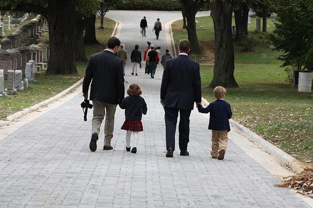 03.MatlovichMemorial.CC.Walk1.SE.WDC.10October2009