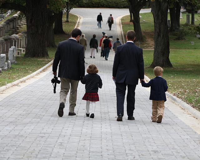 02a.MatlovichMemorial.CC.Walk1.SE.WDC.10October2009