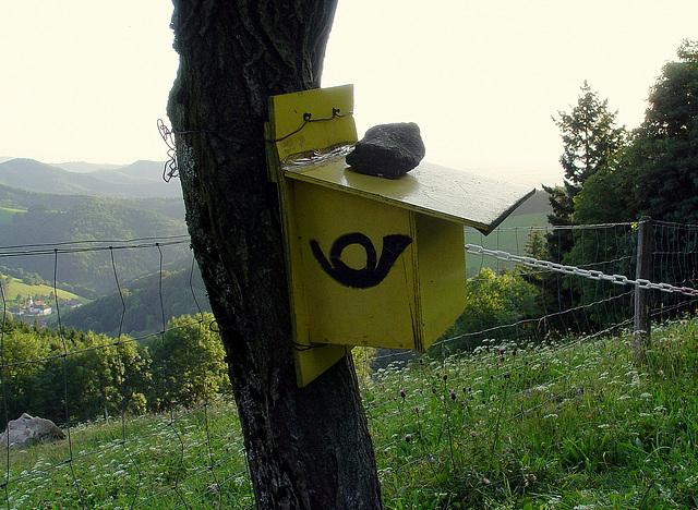 boîte aux lettres rustique en Forêt Noire