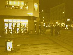 Appétit nocture tout en bleu /  Blue snack window.   Copenhague / Copenhagen.  25-10-2008 -  Sepia