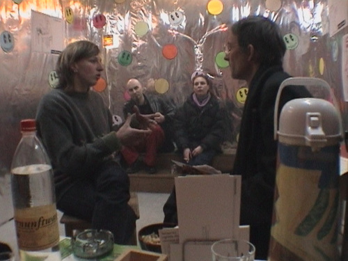 Im Kunstraum trudi.sozial Februar 2003 --- 02sozial 0300
