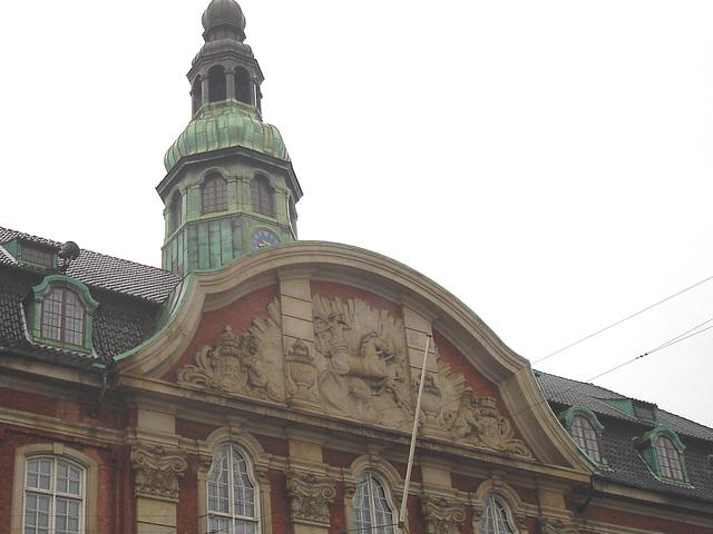 Édifice majestueux /  Majestic building.   Copenhague , Danemark   26-10-2008