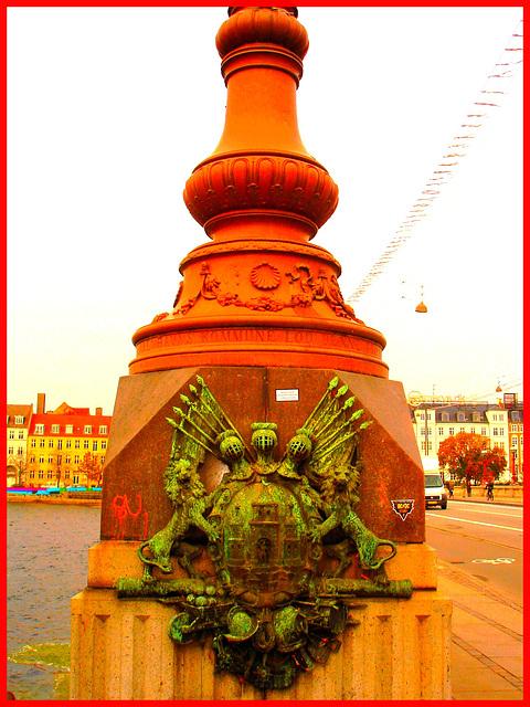 Copenhague / Octobre 2008 -  Kobenhavns Kommune- Lions et chevaliers .