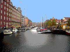 Rue d'eau au centre-ville /  Downtown river road.    Copenhague  - 26-10-2008 - Postérisation avec ciel bleu photofiltré