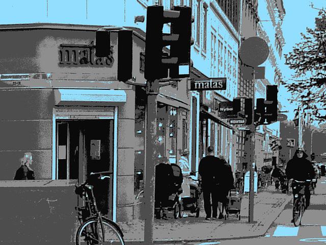 La zone Matas / Matas corner  -  Copenhague.  20 octobre 2008 - N & B postérisé avec bleu ajouté