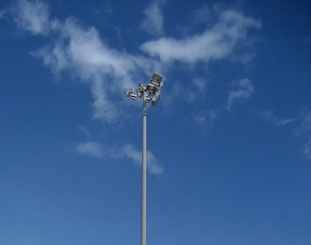 Oeiras, Maritime Walk, current lamp-post for beach illumination