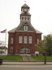 Palais de justice - Courthouse.  S.W. Parker time  /    Newport.  USA.  23 mai 2009