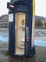 Pour urgence de trottoirs /Emergency sidewalk toilet