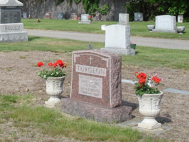 Cimetière St-Charles / St-Charles cemetery -  Dover , New Hampshire ( NH) . USA.   24 mai 2009  -  Turgeon  RIP.