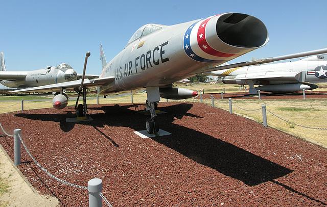 North American F-100 Super Sabre (8491)