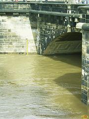 2006-04-05 005 Hochwasser Pegel 7,40 m; Vortag 7,49 m, 2002  9,40 m