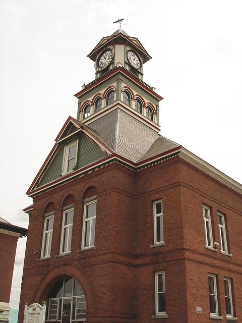 Palais de justice /  Courthouse -  Newport, Vermont.  USA / États-Unis.  23 mai 2009