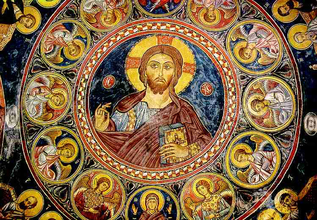 Le geste de bénédiction du Christ Pantocrator