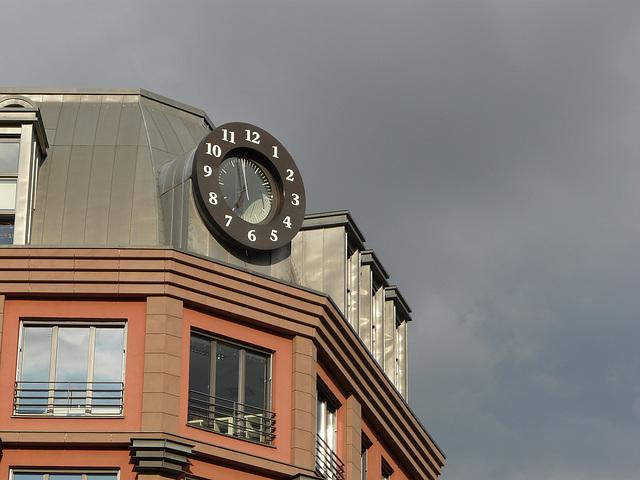 Uhr II