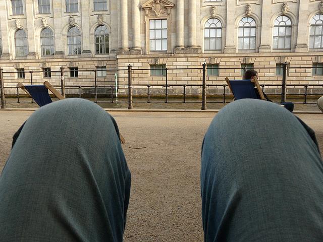 Ein Foto über's Knie brechen