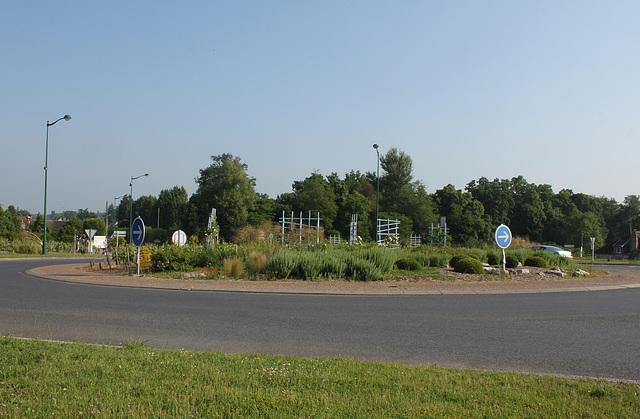 Rond-point côté sud ( côté Loire)