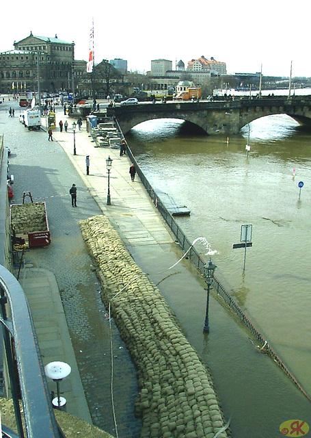 2006-04-05 099 Hochwasser
