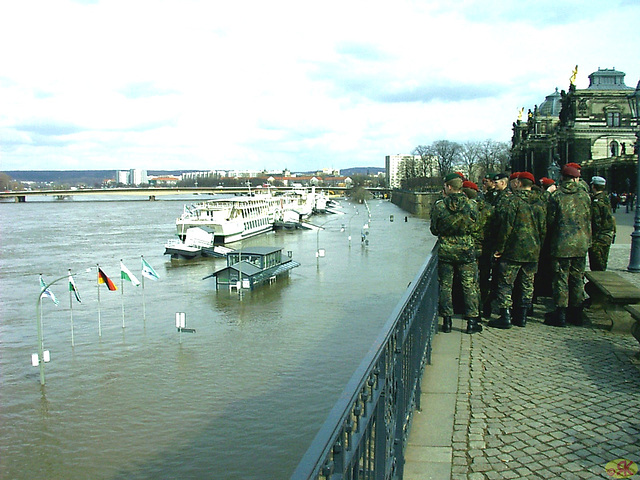 2006-04-05 100 Hochwasser