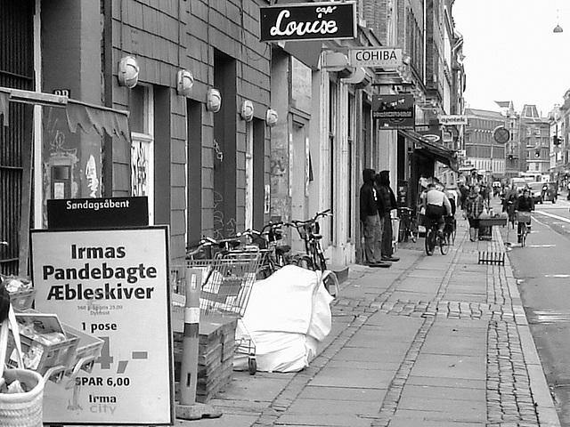 La perspective Louise /  Louise store area -  Copenhague, Danemark.  Octobre 2008  -  N & B