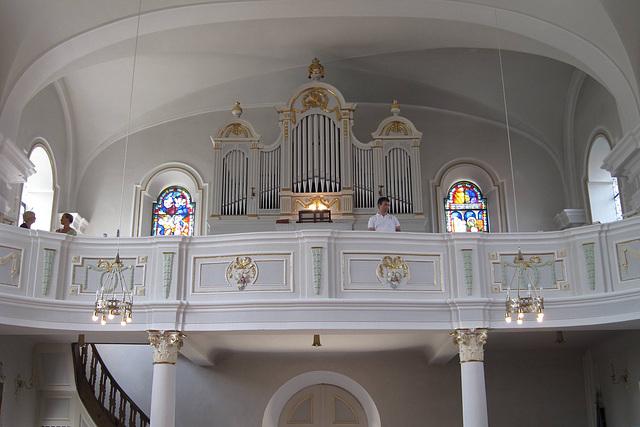 Organist und Sängerinnen