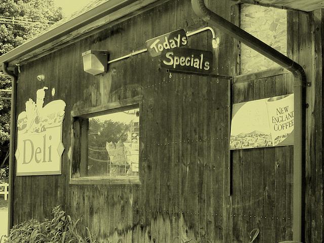 J's corner store & deli  /   Johnson.  Vermont -  USA  / États-Unis.  23 mai 2009 - Sip & enjoy.  Vintage