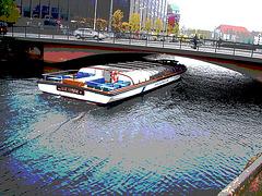 Bateau-mouche danois / Ole lukoje boat.  Copenhagen. 26-10-2008 - Postérisation