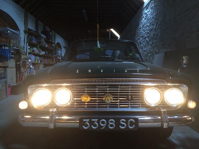 Quartz halogen headlights on a 1963 Ford Zodiac Mk III