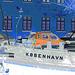 Bateau- auto- lampadaire et belles fenêtres /  Kobenhavn blue vehicule with windows & street lamp zone.   Copenhague / Copenhagen.  26-10-2008 - Négatif postérisé