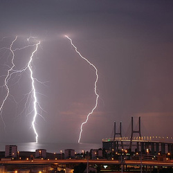Lisboa, thunderstorm over the Bridge Vasco da Gama (2)