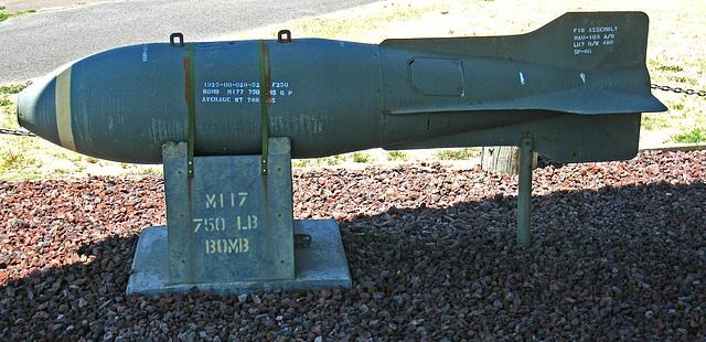 Boeing B-52D Stratofortress - 750 lb bomb (3231)