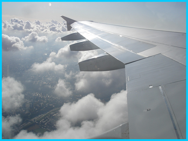 Aile et nuages - Vol Air Transat Bruxelles-Montréal- 29 octobre 2008