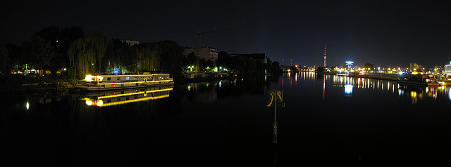 Spree bei Nacht / river Spree at night