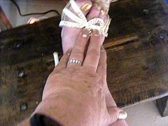Mon amie bien-aimée Krisontème avec permission  /    Main et pied érotiques !