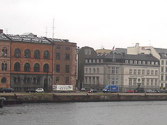 Architecture et bateau de touriste /  Saga Queen boat eyesight.  Copenhagen.  26-10-2008