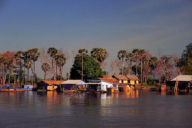 Along the Tonlé Sap