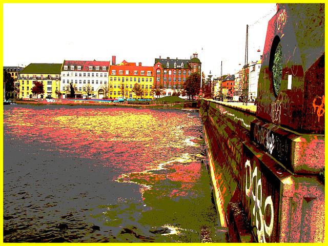 Pont menant au cimetière / Copenhague - 20-10-2008.  Postérisation