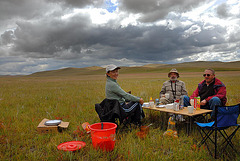 Lunch break before heavy rain to Tsagaan-Ovoo
