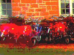 Vélos danois près de la gare / Annette's polser danish bikes. Copenhagen. 26-10-2008 - Version flash rouges .  Postérisation