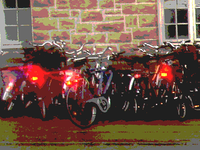 Vélos danois près de la gare / Annette's polser danish bikes. Copenhagen. 26-10-2008  - Version illusion de peinture