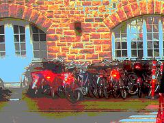 Vélos danois près de la gare / Annette's polser danish bikes. Copenhagen. 26-10-2008 - Version postérisée