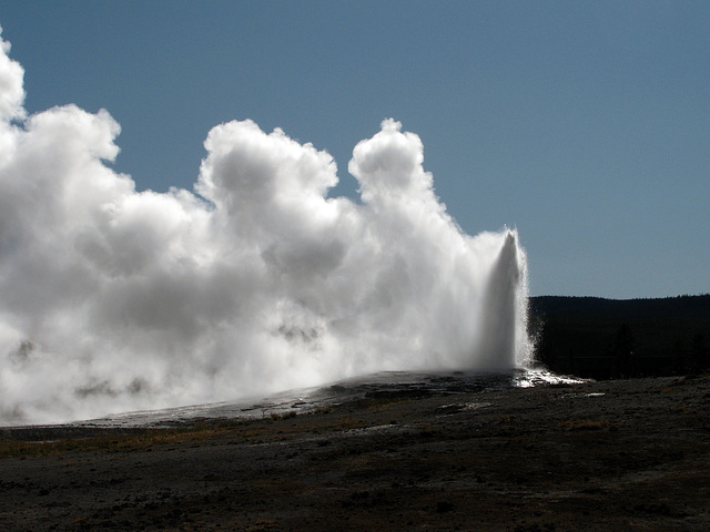 Old Faithful Geyser (1612)