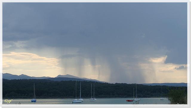"""Les """"jambes"""" de la pluie (""""legs of rain"""") !"""